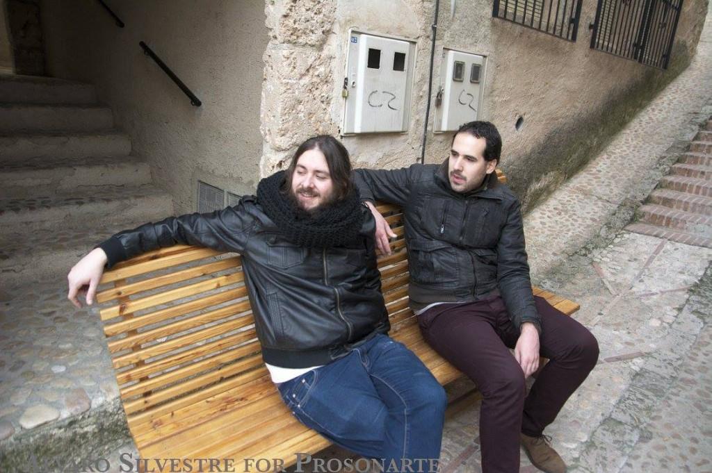 Descanso Charly y mio. Las cuestas son mortales. Foto de Álvaro Silvestre